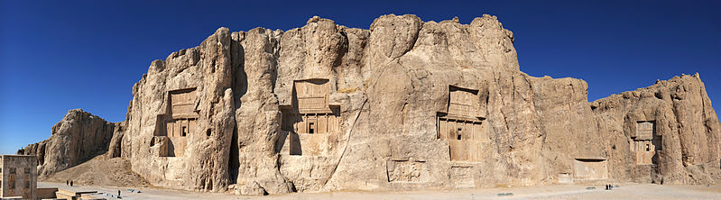 799px-20101229_Naqsh_e_Rostam_Shiraz_Iran_more_Panoramic