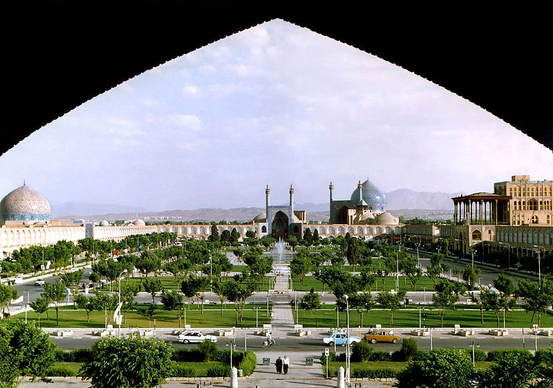 800px-Naghshe_Jahan_Square_Isfahan_modified