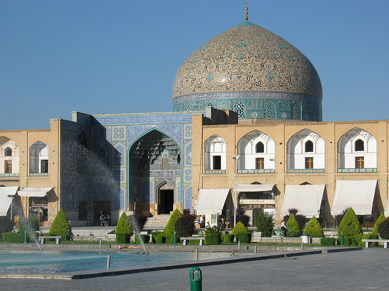 مسجد شیخ لطف الله در میدان نقش جهان