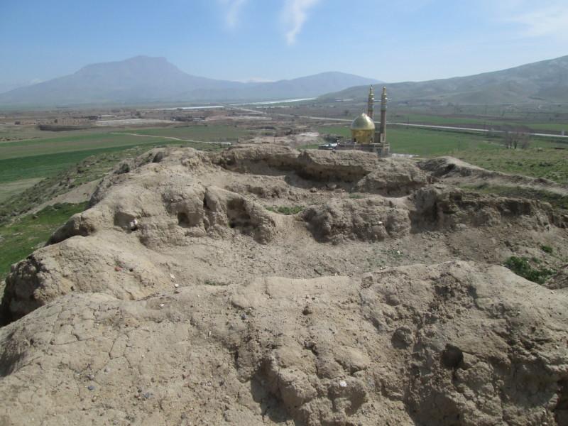 طرح سایت و مسجد در پای تپه