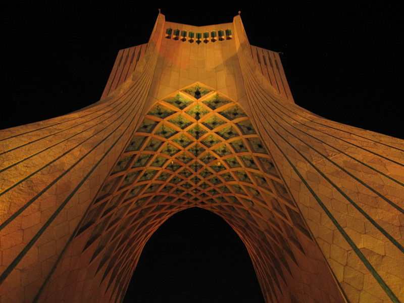 800px-Azadi_Tower_in_Tehran,_2011