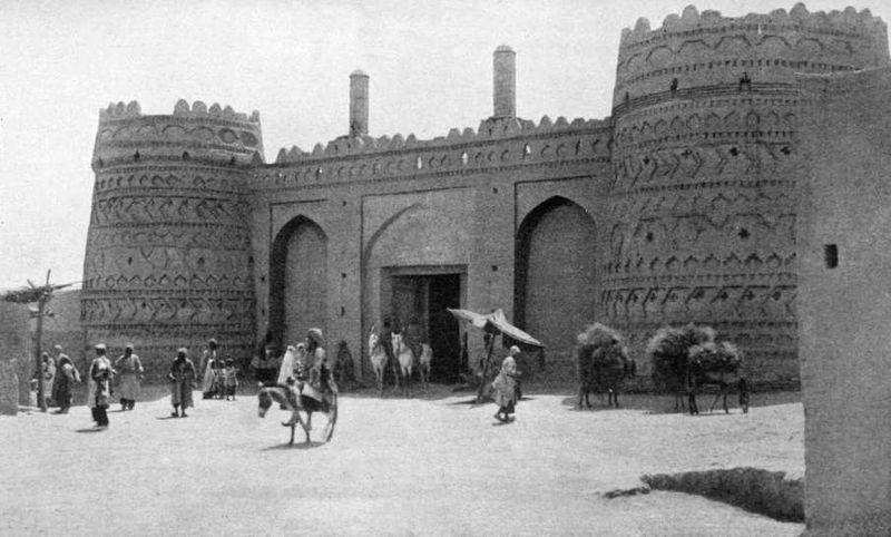800px-Kerman_Masjid_Gate