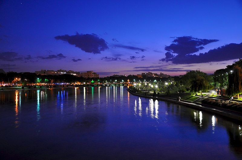 Zayandehroud_after_sunset