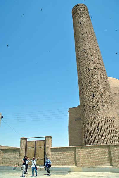 Barsian mosque and minaret