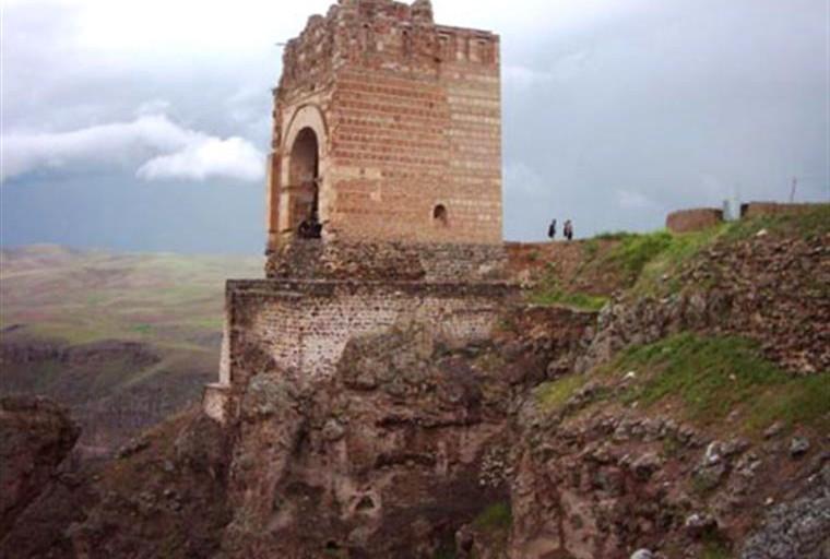 Zahhak Castle