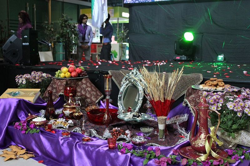 800px-Mehregan_Table_in_UCTI_University_of_Malaysia_2011