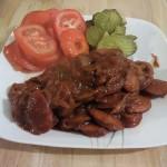 Sosis bandari: Traditional sausage with onion, tomato paste, and chili pepper.