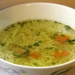 Sup e morgh: Chicken and noodle soup.