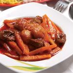 Khoresh e havij: Stewed carrots and meat.