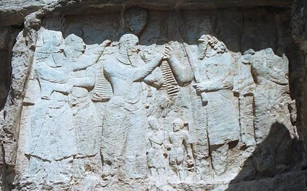 Investiture relief of Ardashir I , Naqsh-e Rajab