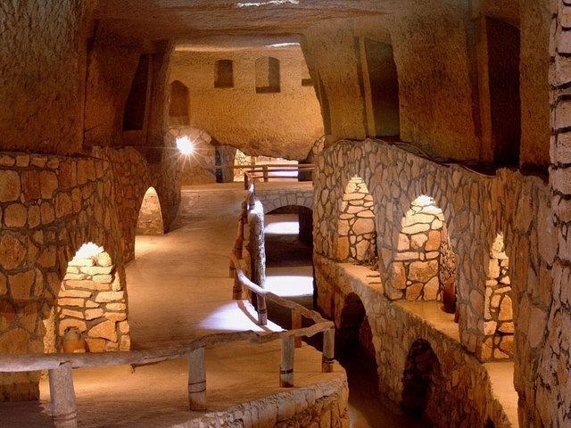 Underground city of Kariz