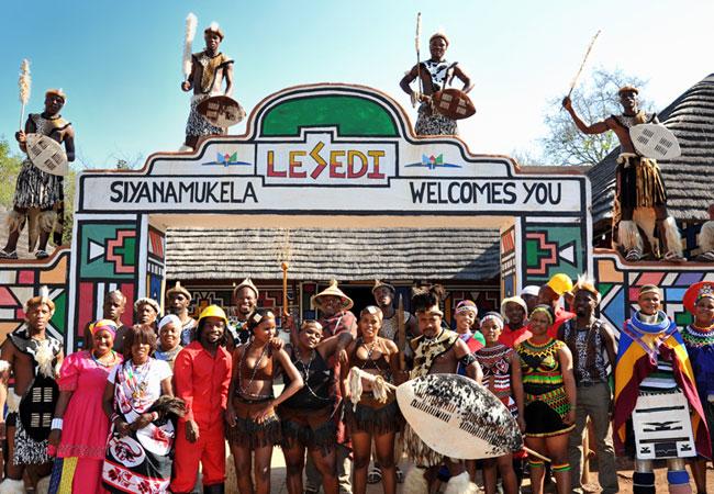 دهکده فرهنگی لسدی Lesedi Cultural Village