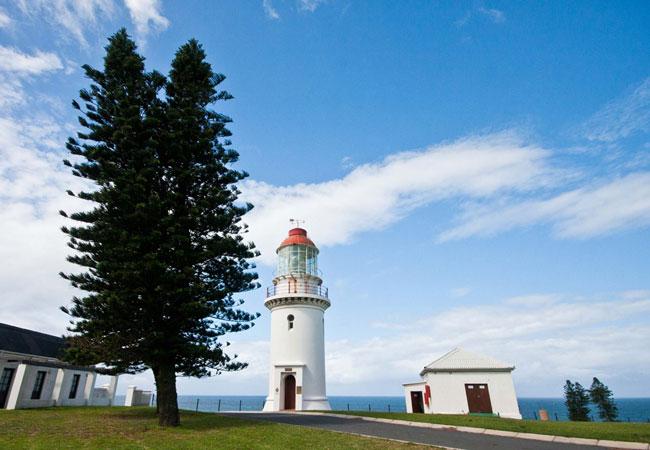 فانوس دریایی هود پوینت Hood Point Lighthouse